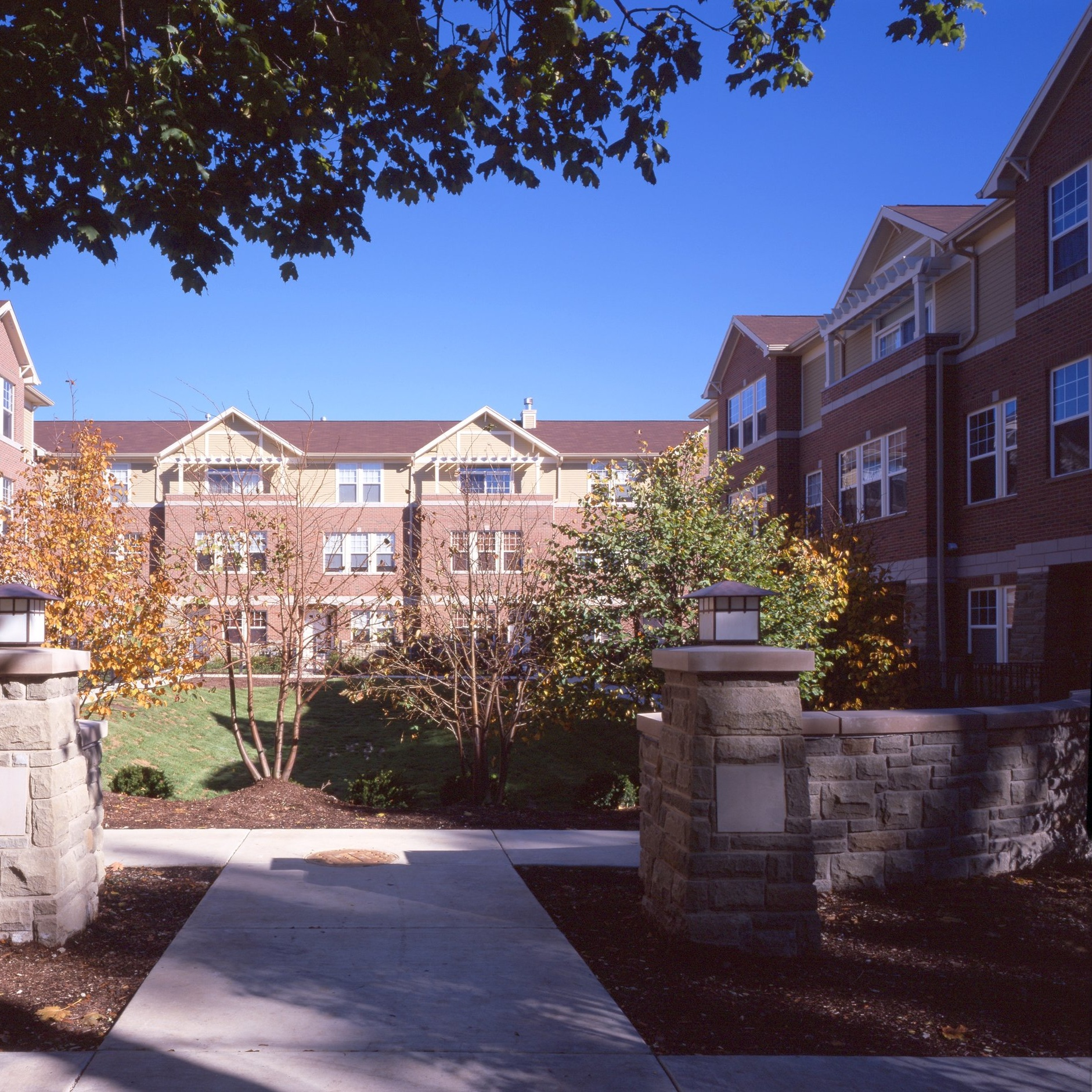 WESLEY SQUARE - 33 TOWNHOMESWHEATON2000