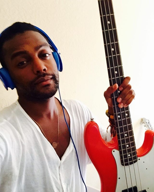 Never gets old with this instrument growing playing guitar and making my way around the bass. James Jamerson, Larry Graham, Jermaine Jackson, Charles Mingus and Verdine White are my favorites. Who are yours ? #bass #music #live
