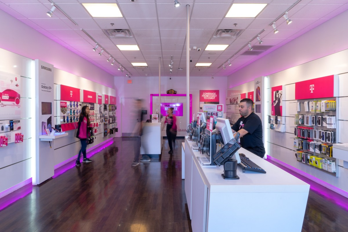 TMobile-Interior9.jpg