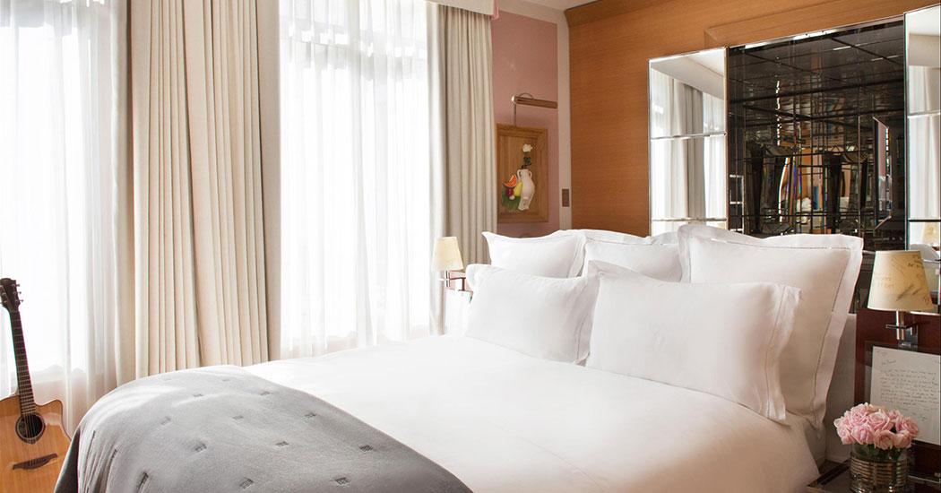 RMO-487331-Deluxe-Room-Guest-room.jpg