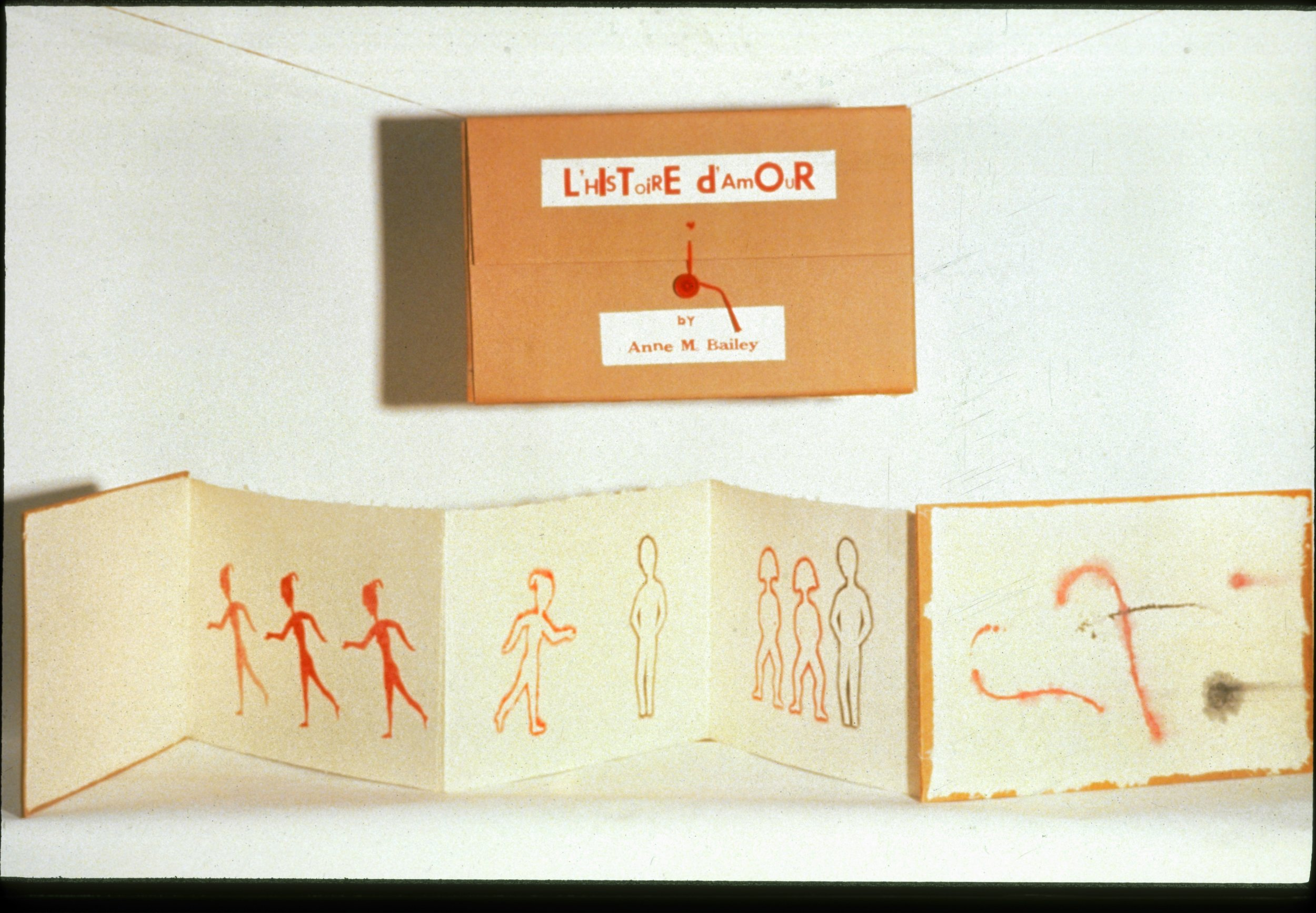 L'Histoire d'amour - An accordion style book illustrated with the French pochoir technique of stencil.