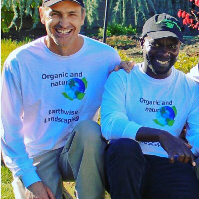 Sadhu & Samuel sharing the love for the Earthwise Team! 🌎💚😊#ashlandoregon #oregon #roguevalley #ashlandlandscaping #ashlandgardens #naturallandscaping #nature #gardening @sadhuserves