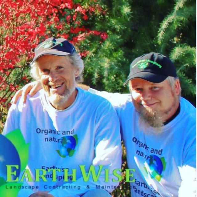 Bridger & Dan sharing the love for the Earthwise Team! 🌎💚😊#ashlandoregon #oregon #roguevalley #ashlandlandscaping #ashlandgardens #naturallandscaping #nature #gardening