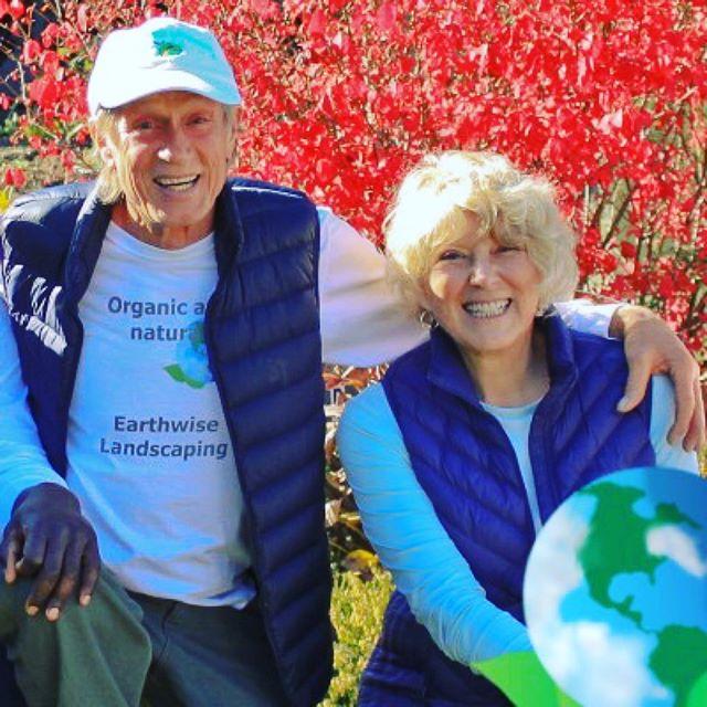 Michael & Robin sharing the love for the Earthwise Team! 🌎💚😊#ashlandoregon #oregon #roguevalley #ashlandlandscaping #ashlandgardens #naturallandscaping #nature #gardening