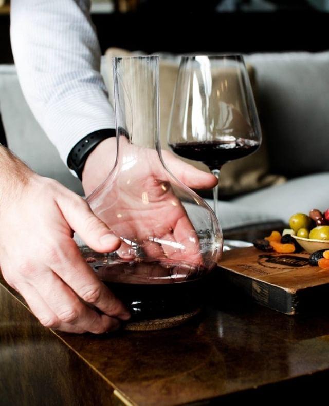 Pour yourself a glass- you deserve it.   Grassl Cru Grassl Decanter  #cjfselections #grasslglass #winelover #wine #wineglass #wineoclock #winenight #chicago #wineblog #winewinewine #winelovers🍷 #wineglass #stemware #decanter #winebeserker #winebeserkers #winebeserkersday #vineyard #napa #napavalley #charcuterie #charcuterieboard #cheeseboard #wineandcheese #chicagowine #chicagowineblog #wineblog #winenot #wedding #events