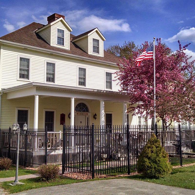 1904 Andor Wenneson Historic Inn