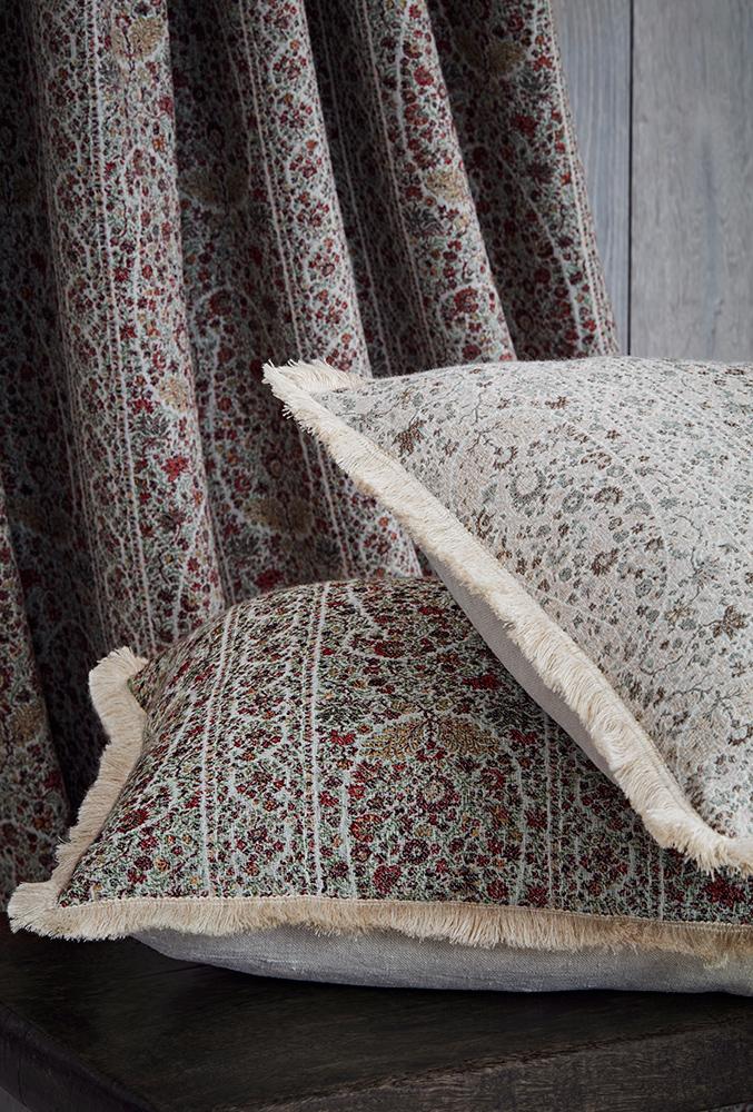 deLeCuona-Meadow-Cushions-677x1000.jpg