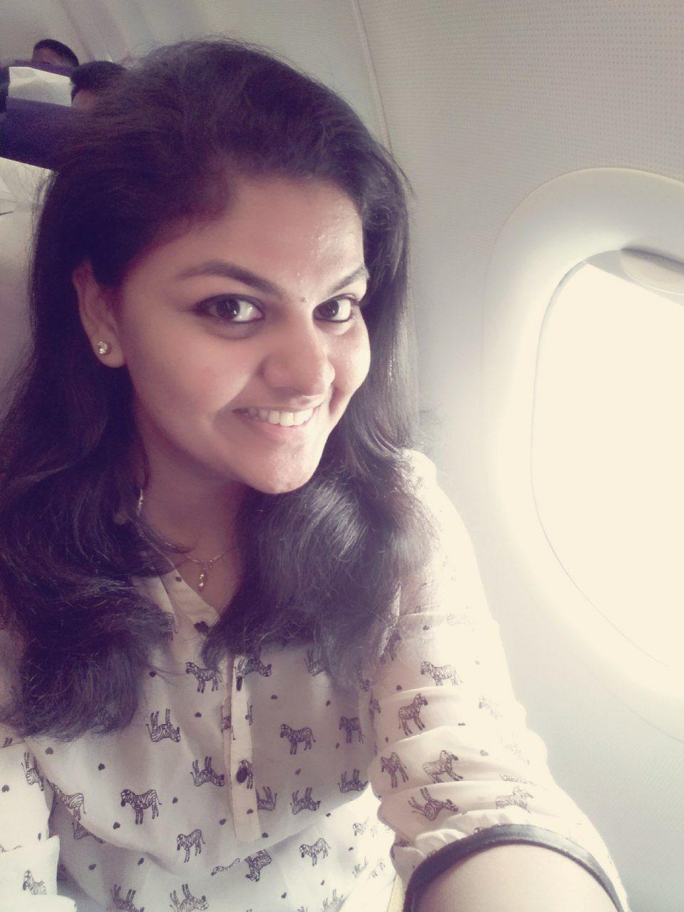 Gajalakshme 😜 - Coffee LoverTikTok and selfie expert. Has a hard time crossing the road.