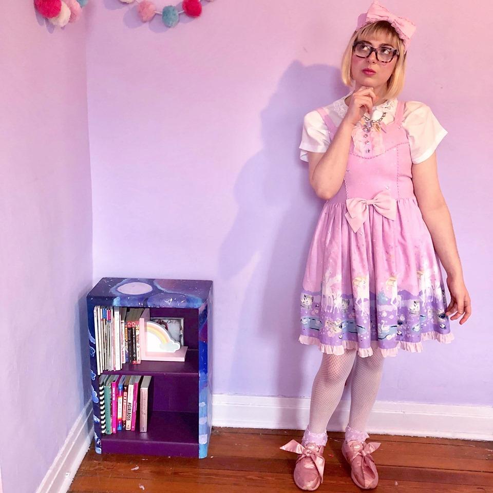 Jessi Moonheart - Room decor guru, blogger extraordinaire