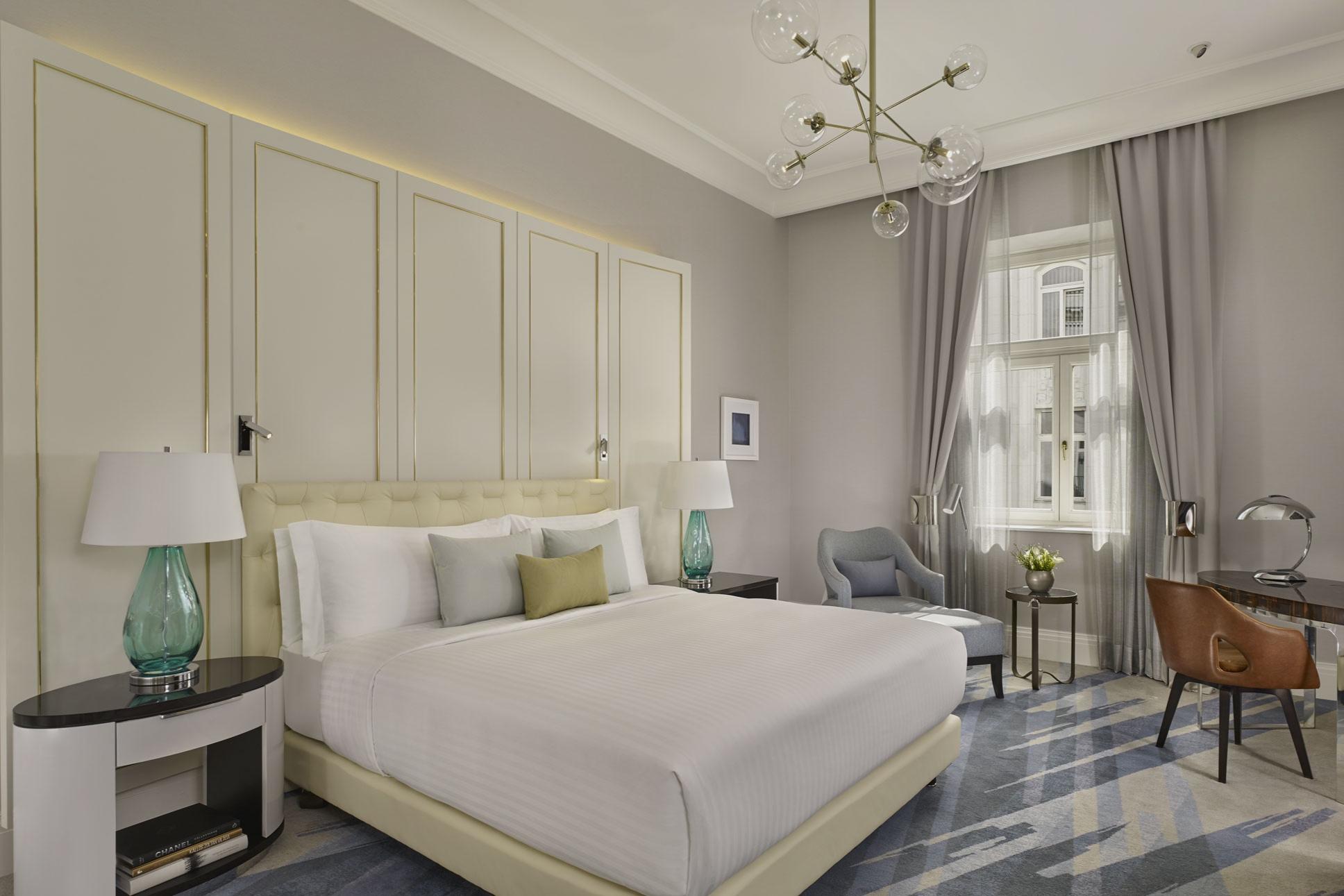 Ritz Carlton Budapest suite