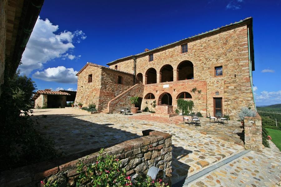 Tuscany countryside villa yoga holiday