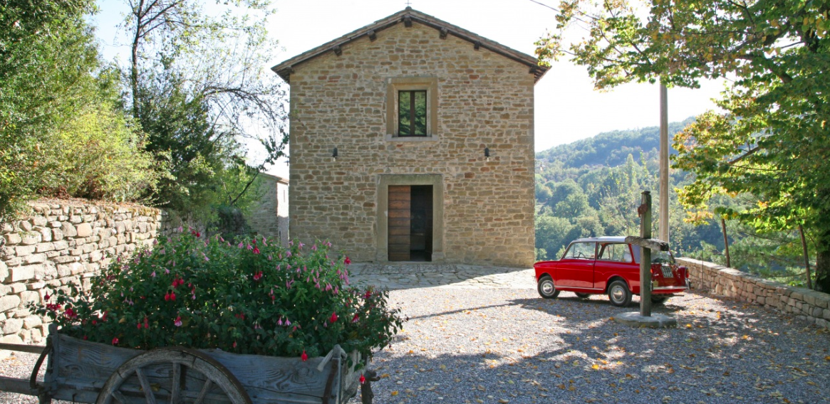 Luxury yoga holiday in Umbrian countryside