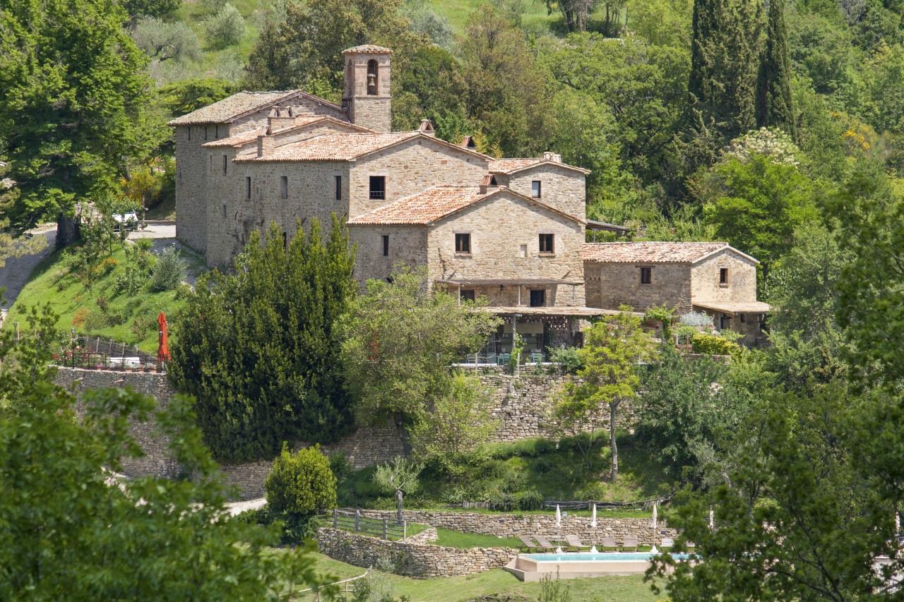 Borgo di Carpiano yoga retreat