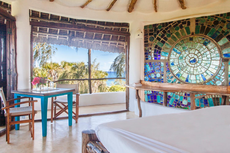 Kitengela Glass art and beach views - Watamu Treehouse
