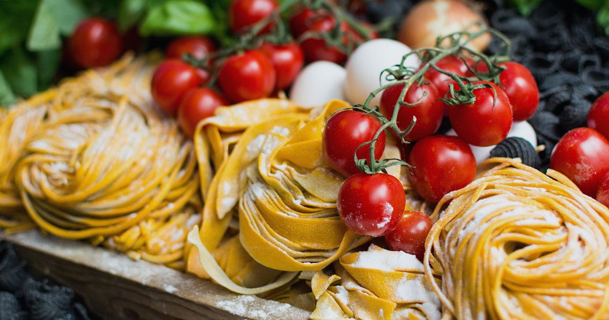 italian-pasta-tomatoes-mozzarella.jpg