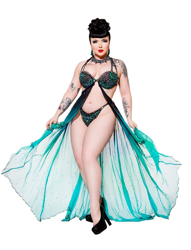 Bettie Bombshell photographed by Joel Devereux