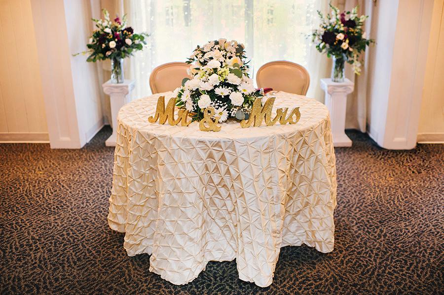 Sweetheart Head Table (Ayres Photo)