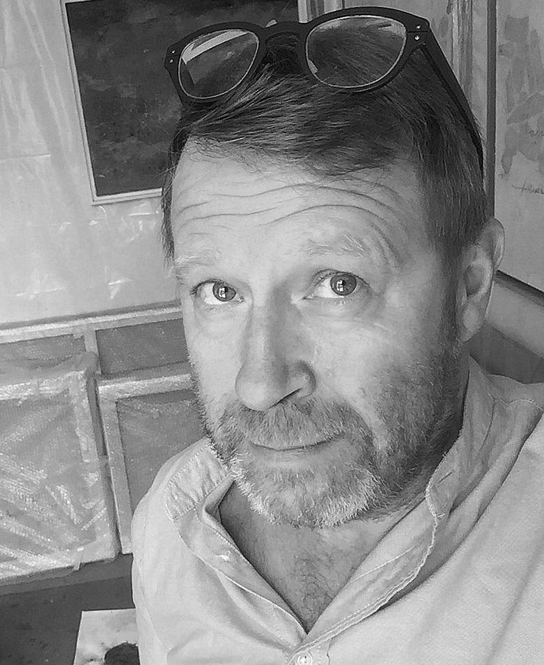 Yves Caillaud - 60 ans – Artiste autodidacte, vit et travaille à Meudon (92)Peintre, photographe, collagiste et plasticien, je suis un expérimentateur qui fait sienne la phrase de Kurt Schwitters : « Mon idéal est de mettre en relation toutes les choses du monde».