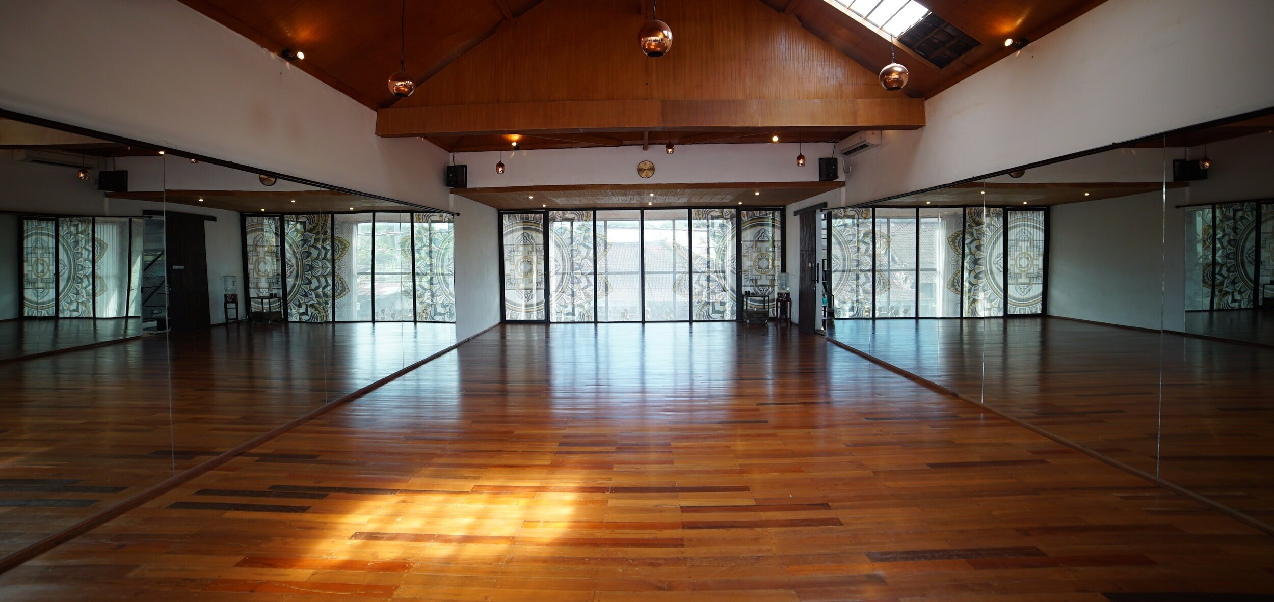 2019_05_04_Karma_House_Yoga_A7sii_35.jpg