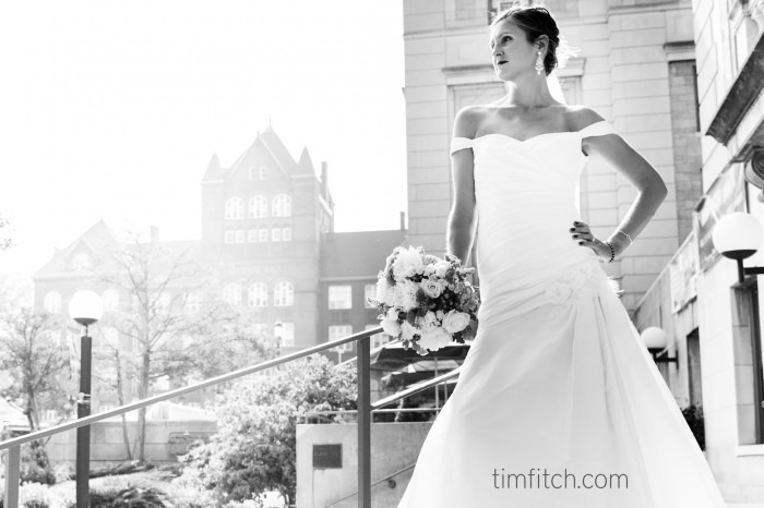 16-WI-State-Capitol-WI-Institute-for-Discovery-Wedding(pp_w700_h466).JPG