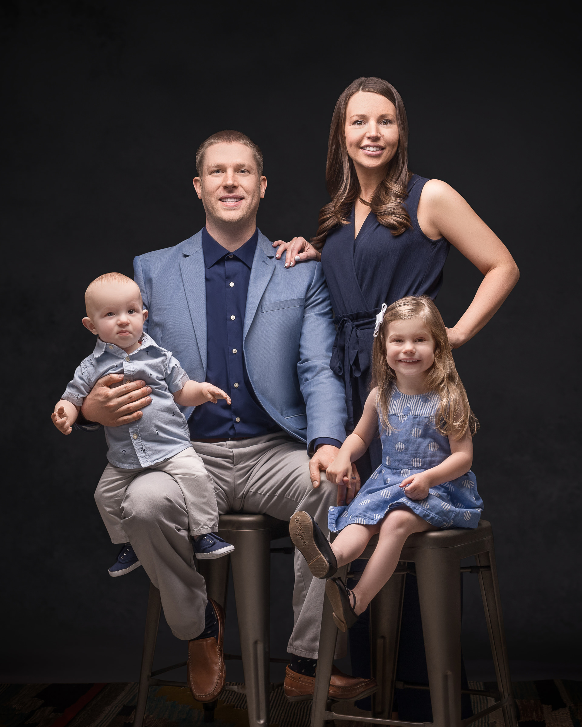 2019-04-13-Timmerman Family0071_2-retouched high res-retouched web.jpg