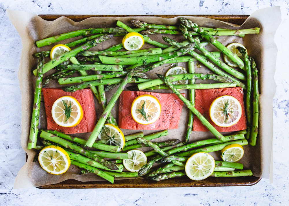 Baked Salmon With Asparagus Lemon And Dill-3.jpg