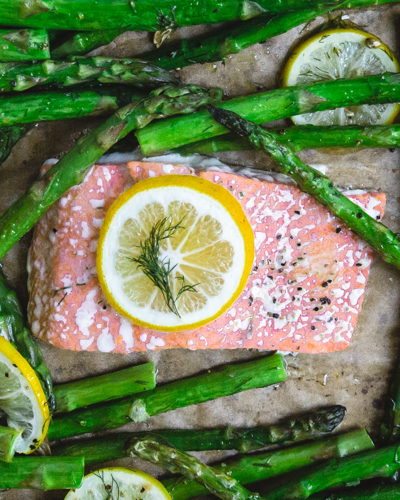 Baked Salmon With Asparagus Lemon And Dill-5.jpg