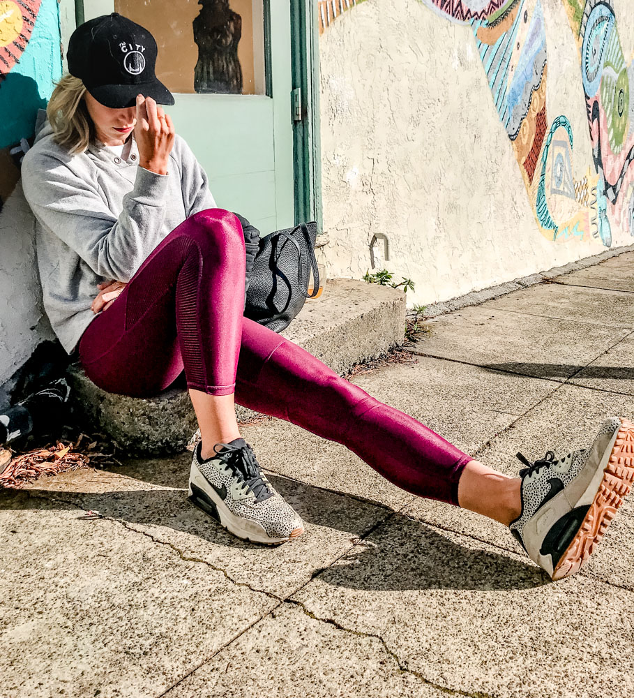 A roundup of the 5 best leggings I've tried! Whether you're shopping for work, for workout, or to wear as pant, these are the ONLY leggings that belong in your closet! #notseethrough #forbooty #fashion #slimming #athleisure #forwomen #women #highwaist