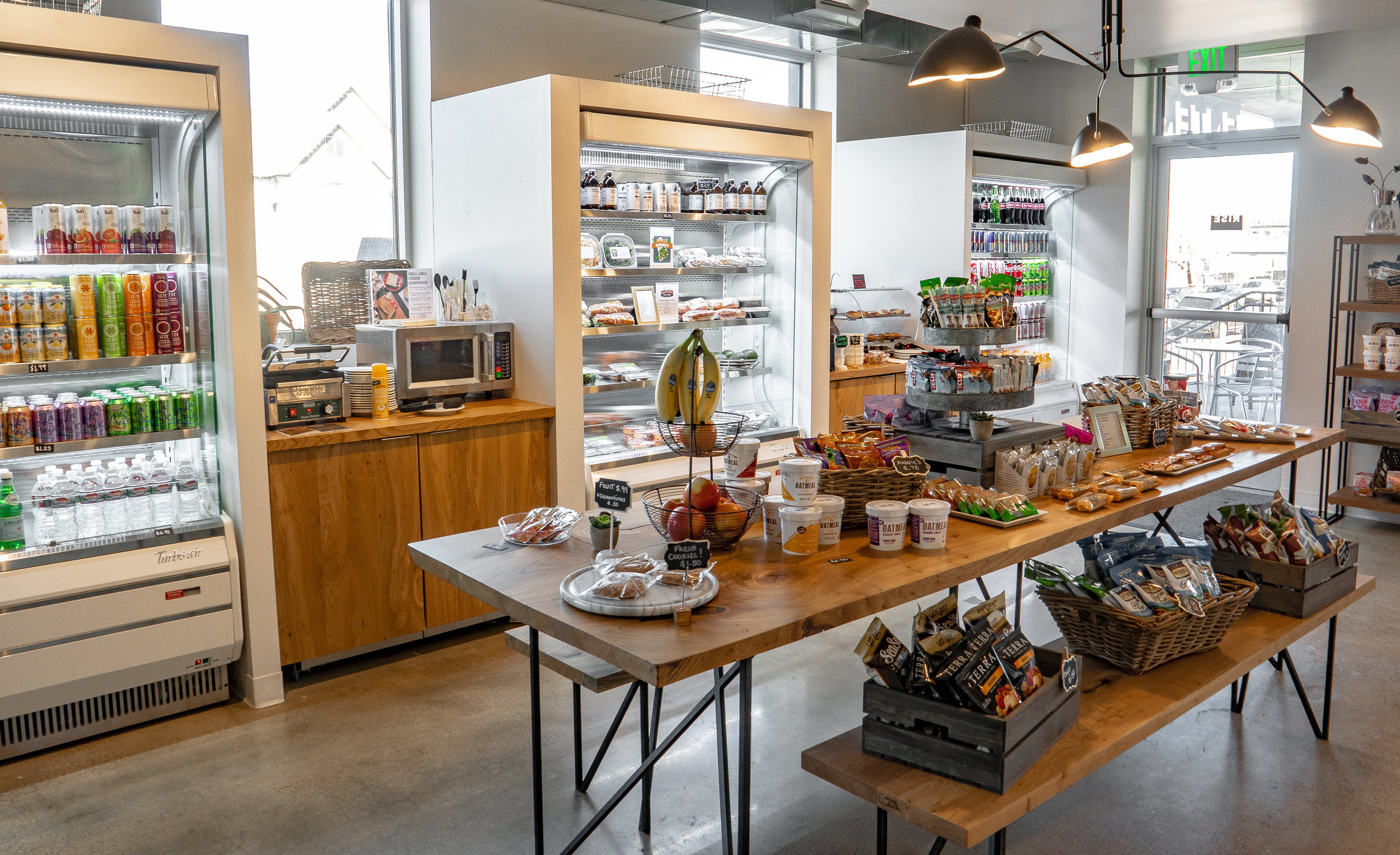 TASTY LOCAL DENVER EATS - Fresh, delicious Breakfast and Lunch offerings brought to you by local small businesses across the Denver area. From Onefold Breakfast Burritos to Lazo Empanadas, Sushi, Poke, and more — We support eating local!