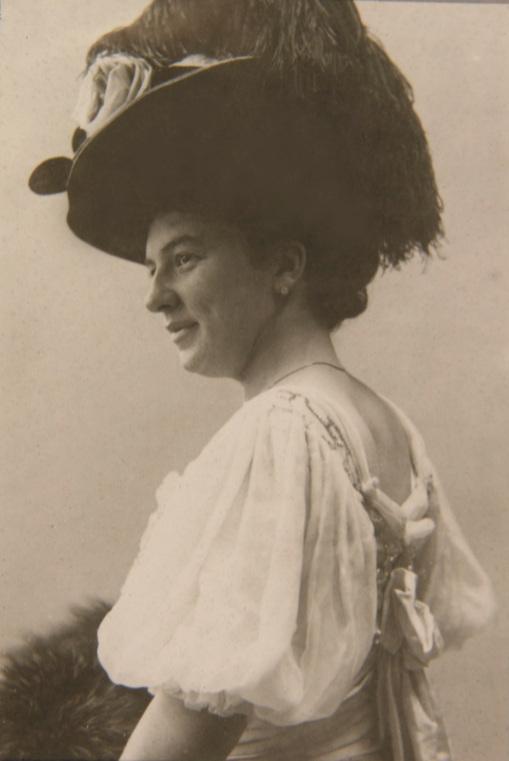 Lea Luboshutz - Portrait from a concert advertisement, 1911