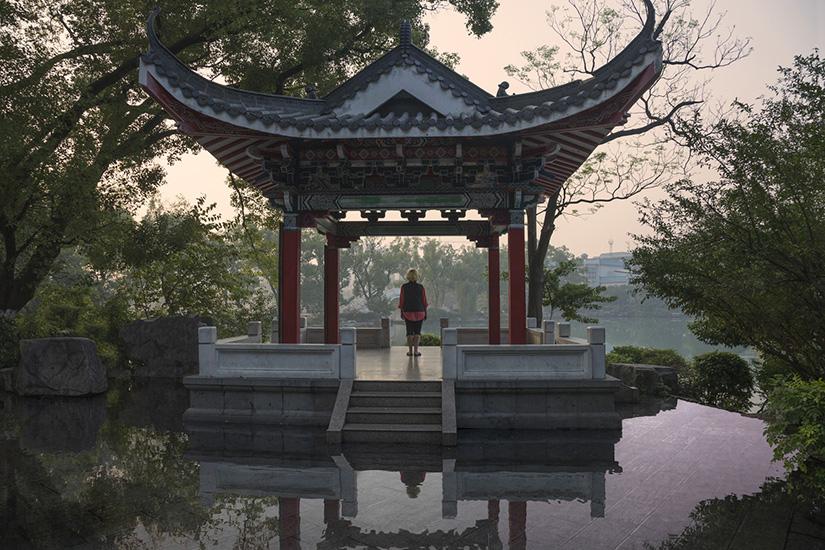 """China Shrine,  2016, Édition de 3, Impression au jet d'encre, 40 x 60""""."""