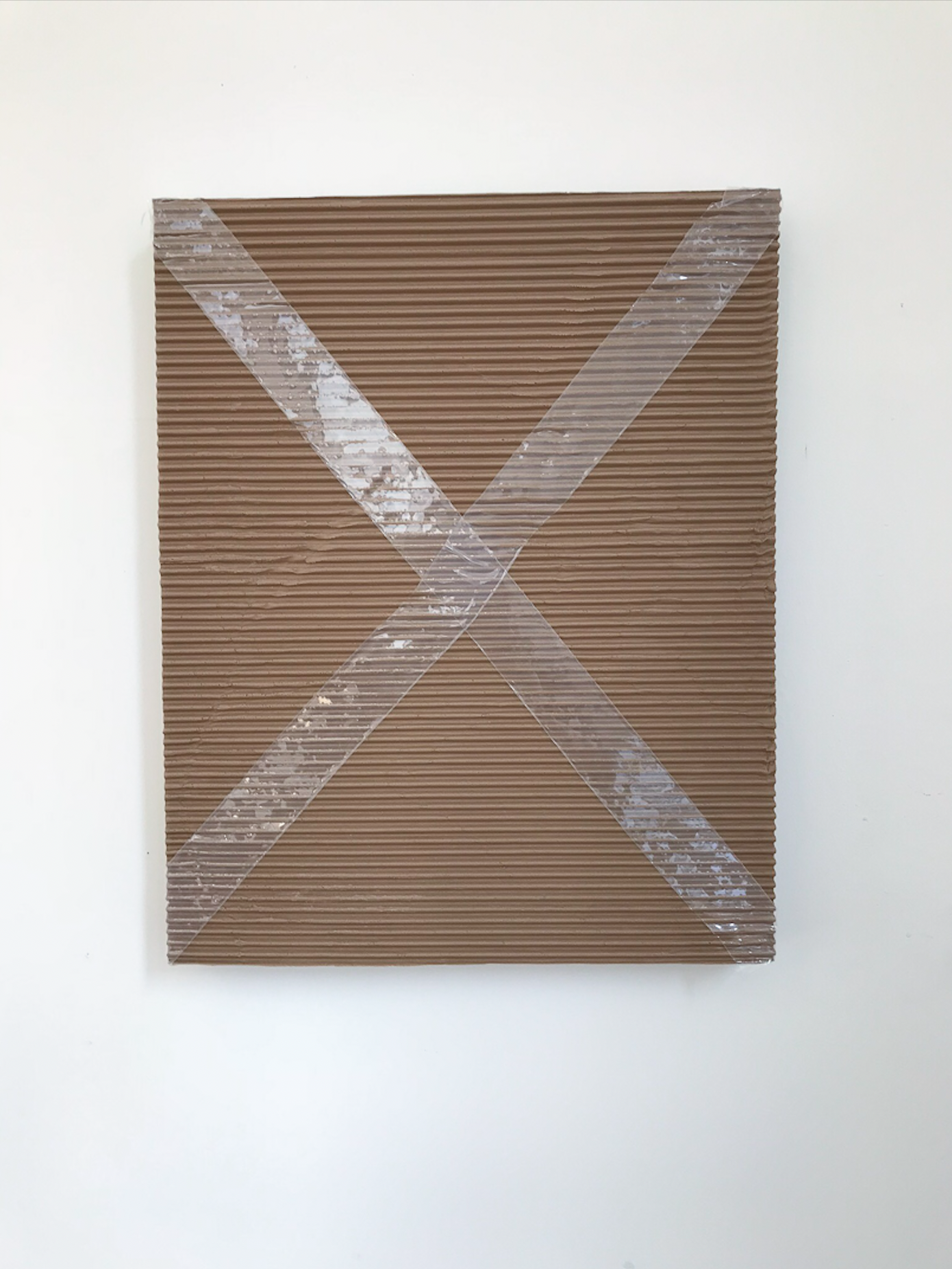 """Monochrome with corrugated cardboard and packing tape , 2018, Acrylique sur toile   20 x 16""""."""