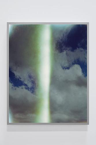 """Untitled #4 (Sky Leaks) , 2016, Édition de 4, Épreuve à développement chromogène montée sous boîtier lumineux au LED, 50 x 40""""."""