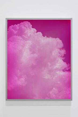"""Untitled #10 (Sky Leaks) , 2016 Édition de 4,  Épreuve à développement chromogène montée sous boîtier lumineux au LED, 50"""" x 40"""""""