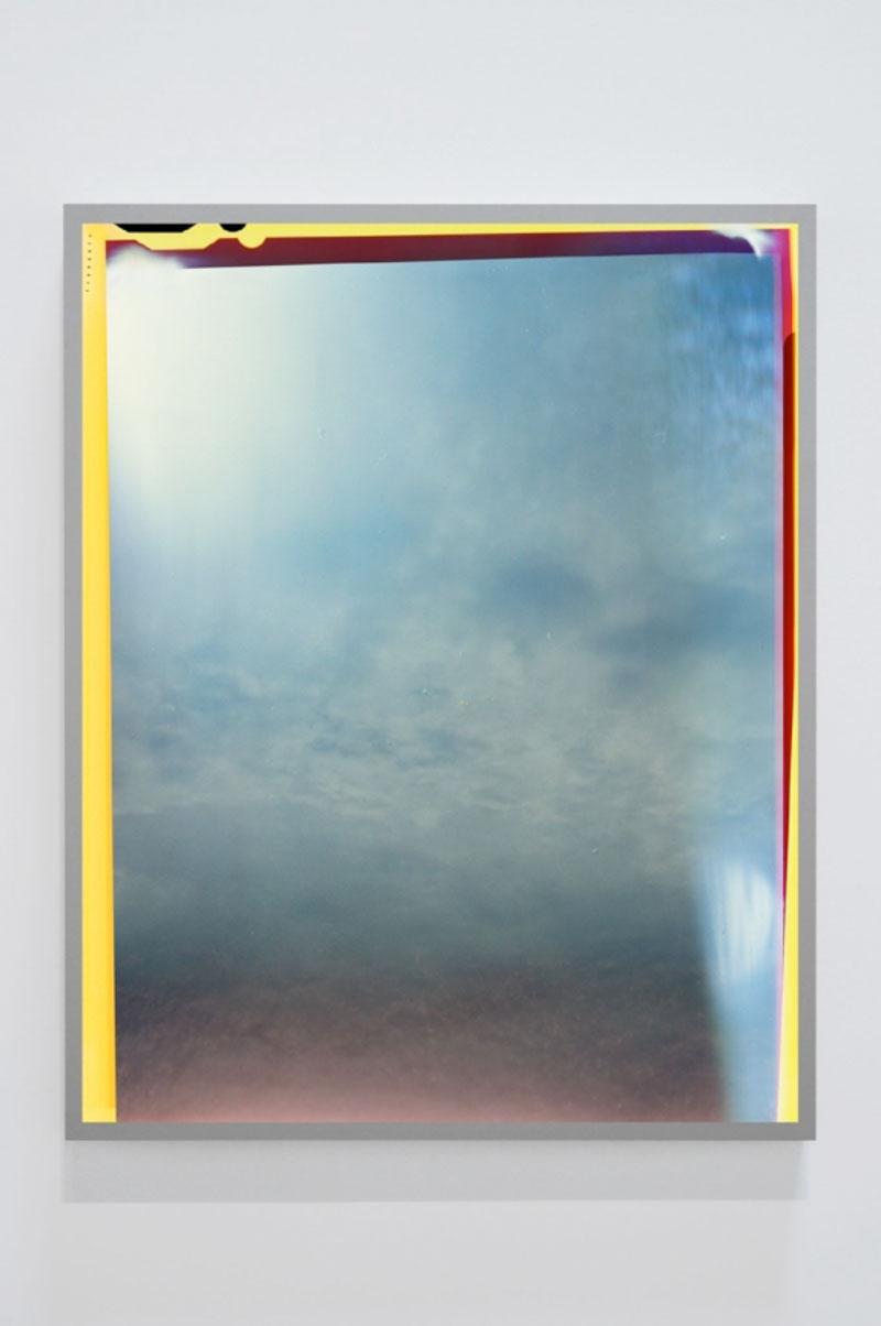 """Untitled #12 (Sky Leaks) , 2017, Ed. 2/4, Épreuve à développement chromogène montée sous boîtier lumineux au LED, 50"""" x 40""""."""