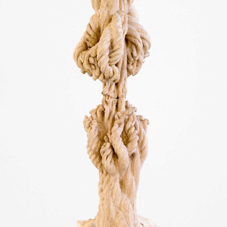 """Study for Cord Progression  (détail), 2017. Tronc de frêne, portique, matériel de gréement, 132"""" x 24"""" x 32""""."""