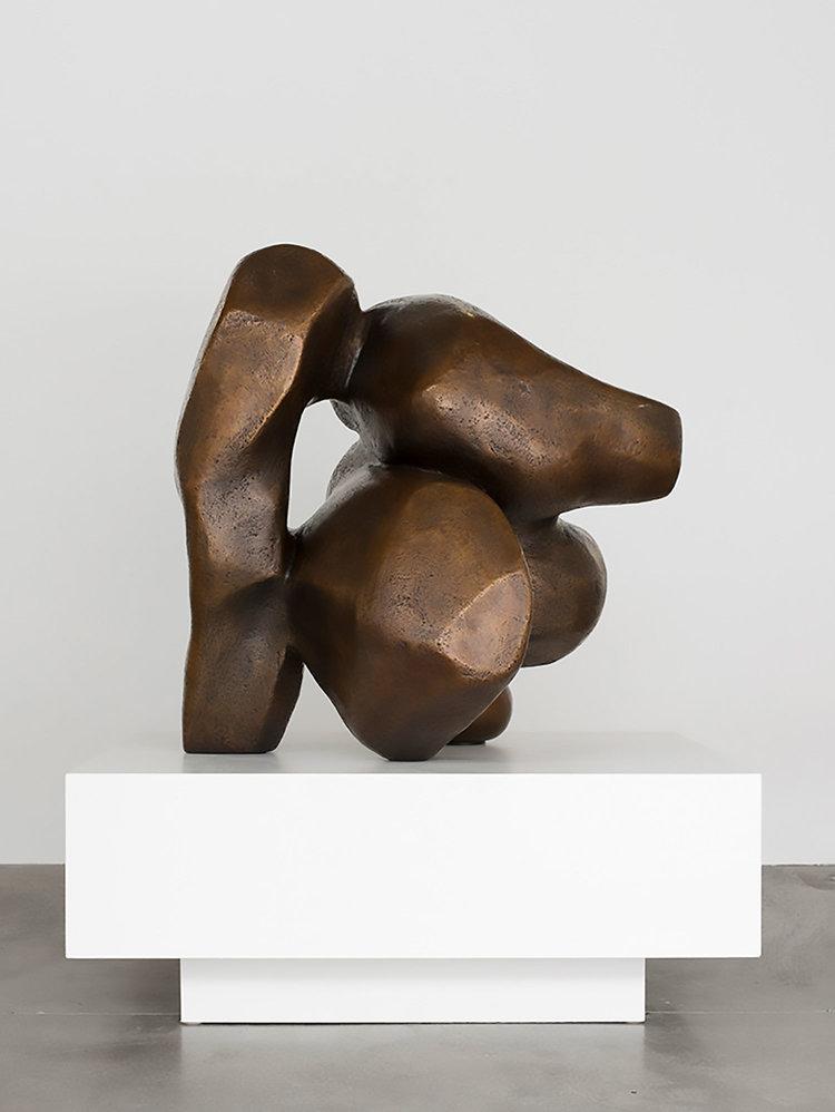 """Venus Redux , 2018, Pièce unique dans une série de 3, Bronze, 48 x 42 x 36"""""""