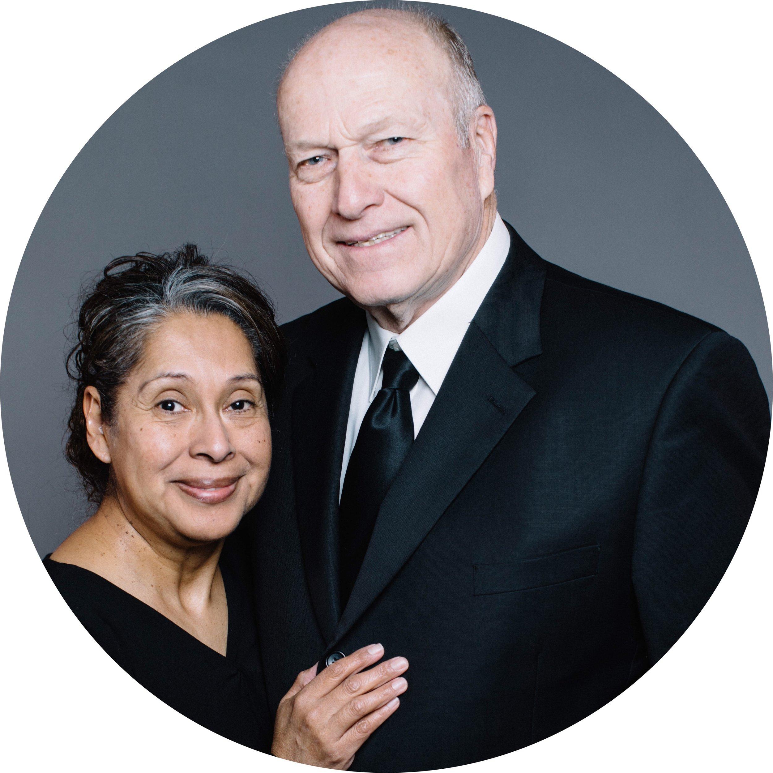 Director de GRUPOS HOGARENOS - Larry & Ruthie Cochran