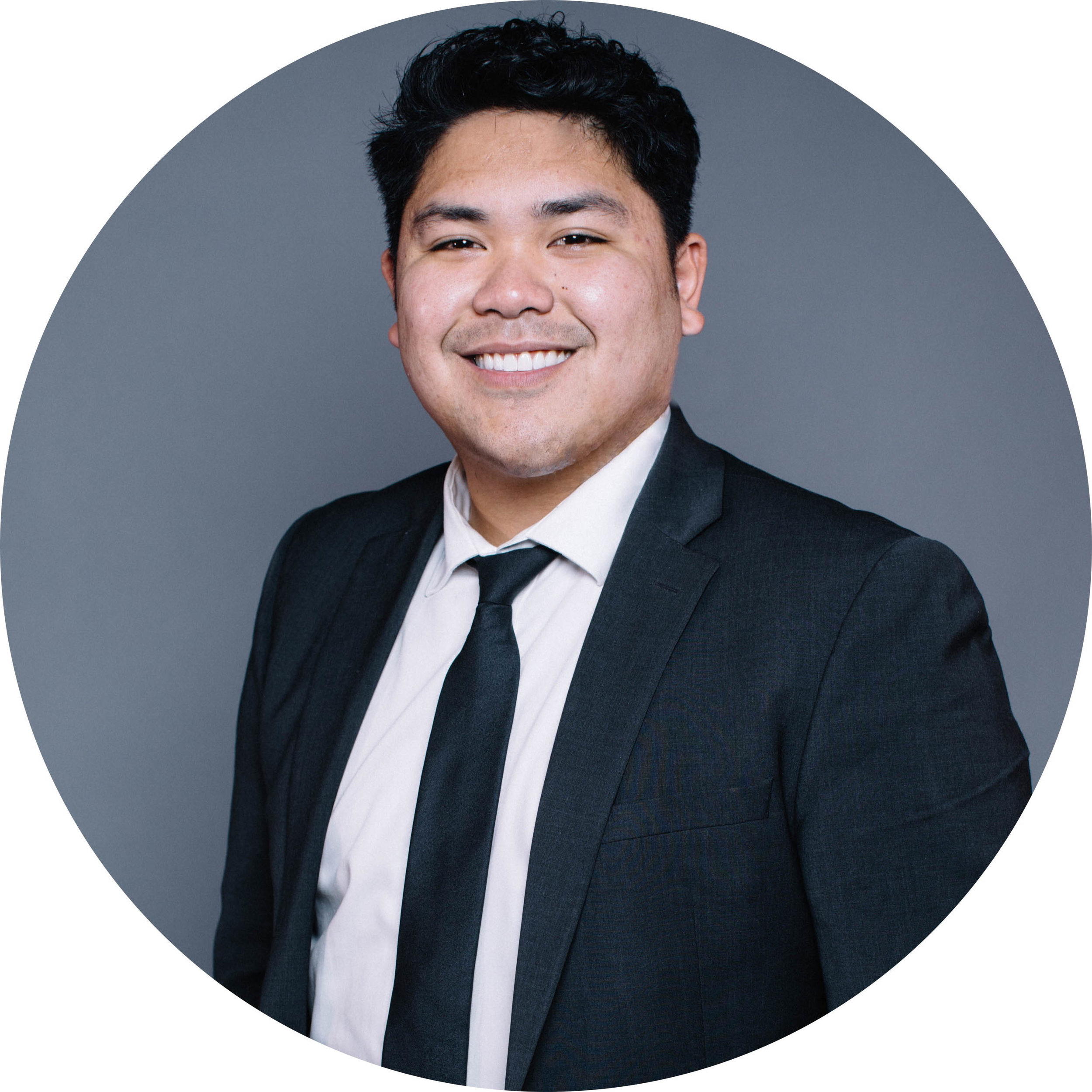 Líder de Jóvenes Adultos - Nate Torino