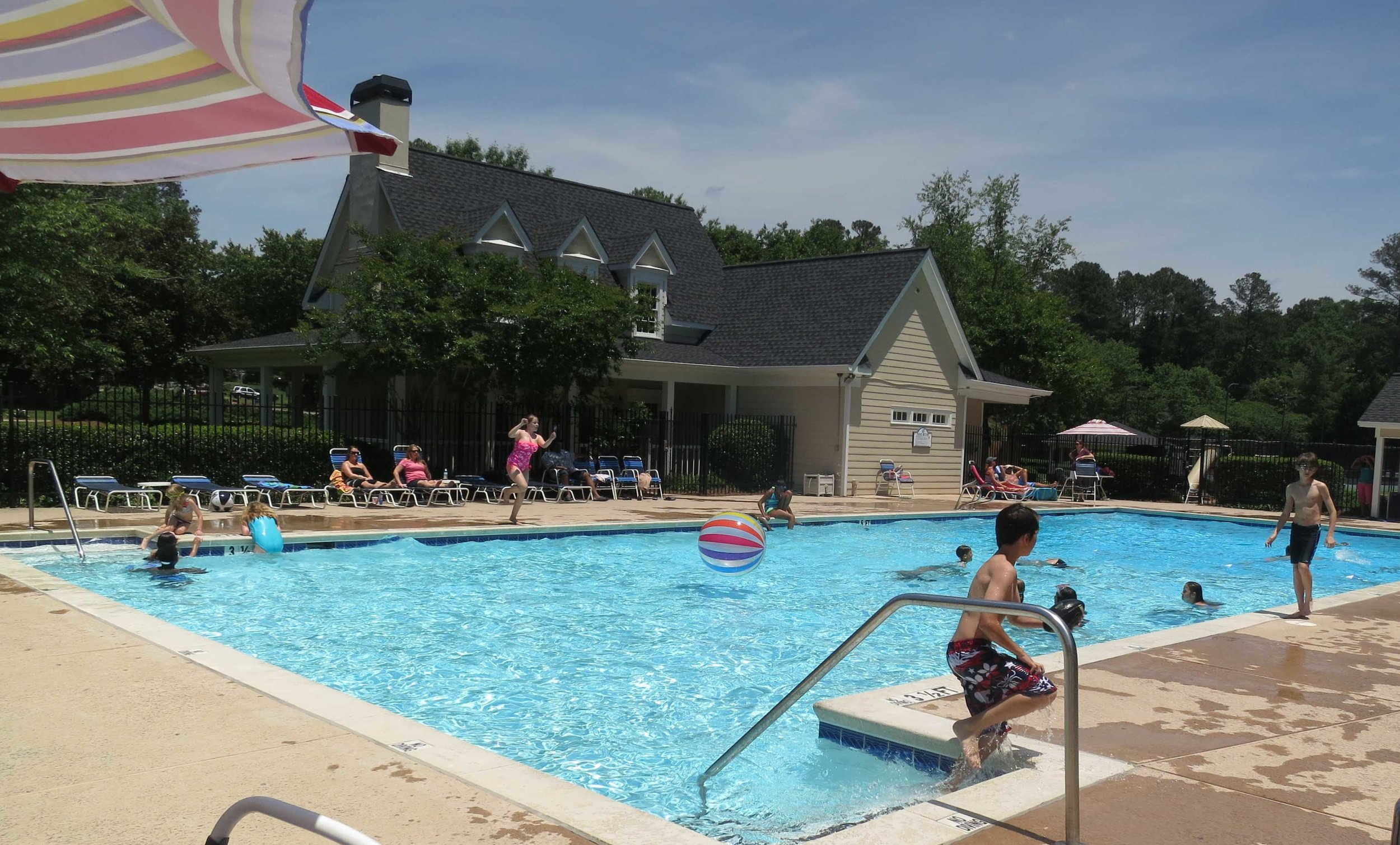 - HAMPTON GLEN RESIDENT RENTAL FEES:$50, $25 for Non-Profit.Free for Scouts with local Scout and parent.$100 Damage/Cleaning DepositNON-RESIDENT RENTAL FEES:$75 for Clubhouse ONLY plus $100 for deposit.NO Pool or Cabana Usage.GAZEBO, POOL & CABANA:Reserve for $25 (for parties), or share for free.We do not rent the pool, but can accommodate up to 10 guests without notification.More than 10 guests - up to 20: contact Mariah Case 540-810-2093Click here for Reservation GuidelinesCLUB HOUSE RESERVATIONS:Please call/text: Mariah Case 540-810-2093Drop off checks and pick up key at 1439 Fenwick Drive.Secondary contact: Denise Pierce 770-630-8104