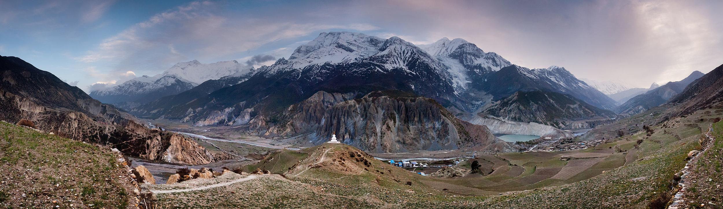 Annapurna_Massif_Panorama.jpg