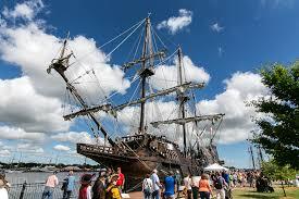 Tall_ships.jpg