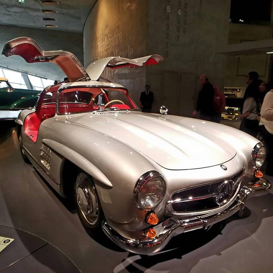 Beauty on wheels - The Mercedes 300 SL Gullwing voted car of the century in 1999