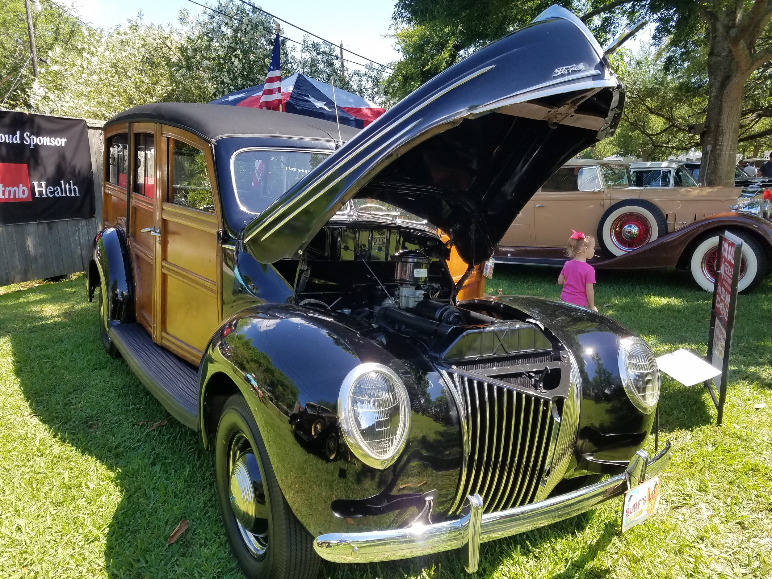 1939 Ford Woodie Deluxe