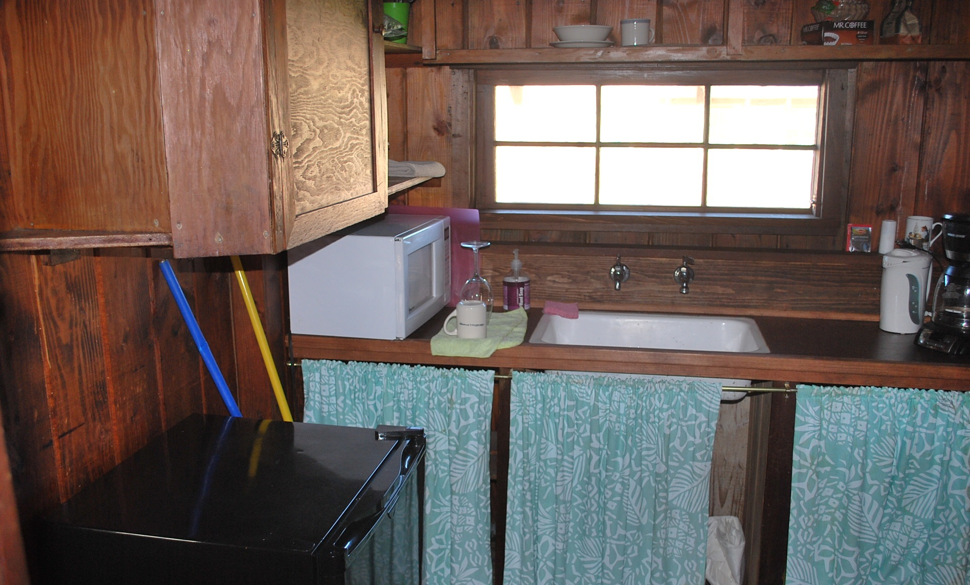 Boatman's Cabin Kitchen