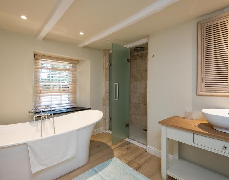 old-farm-bathroom-daymer-cornwall.jpg