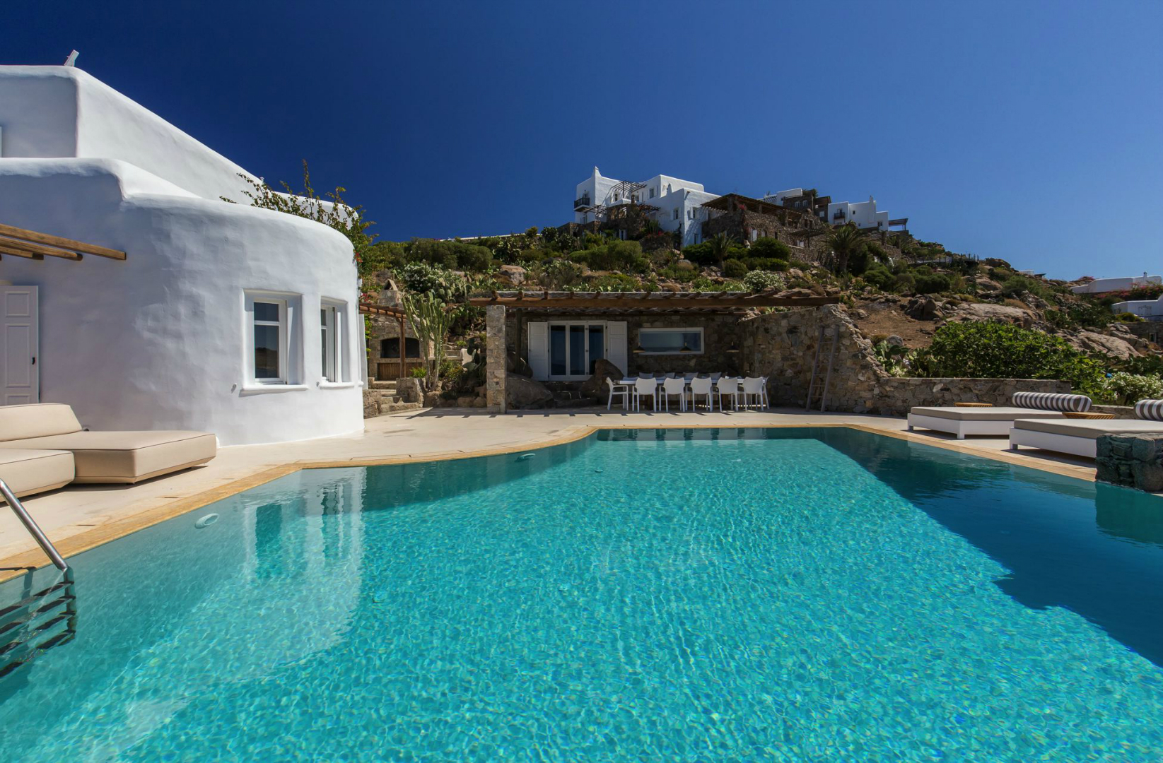 luxury-mykonos-kymothoe1 (5).jpg