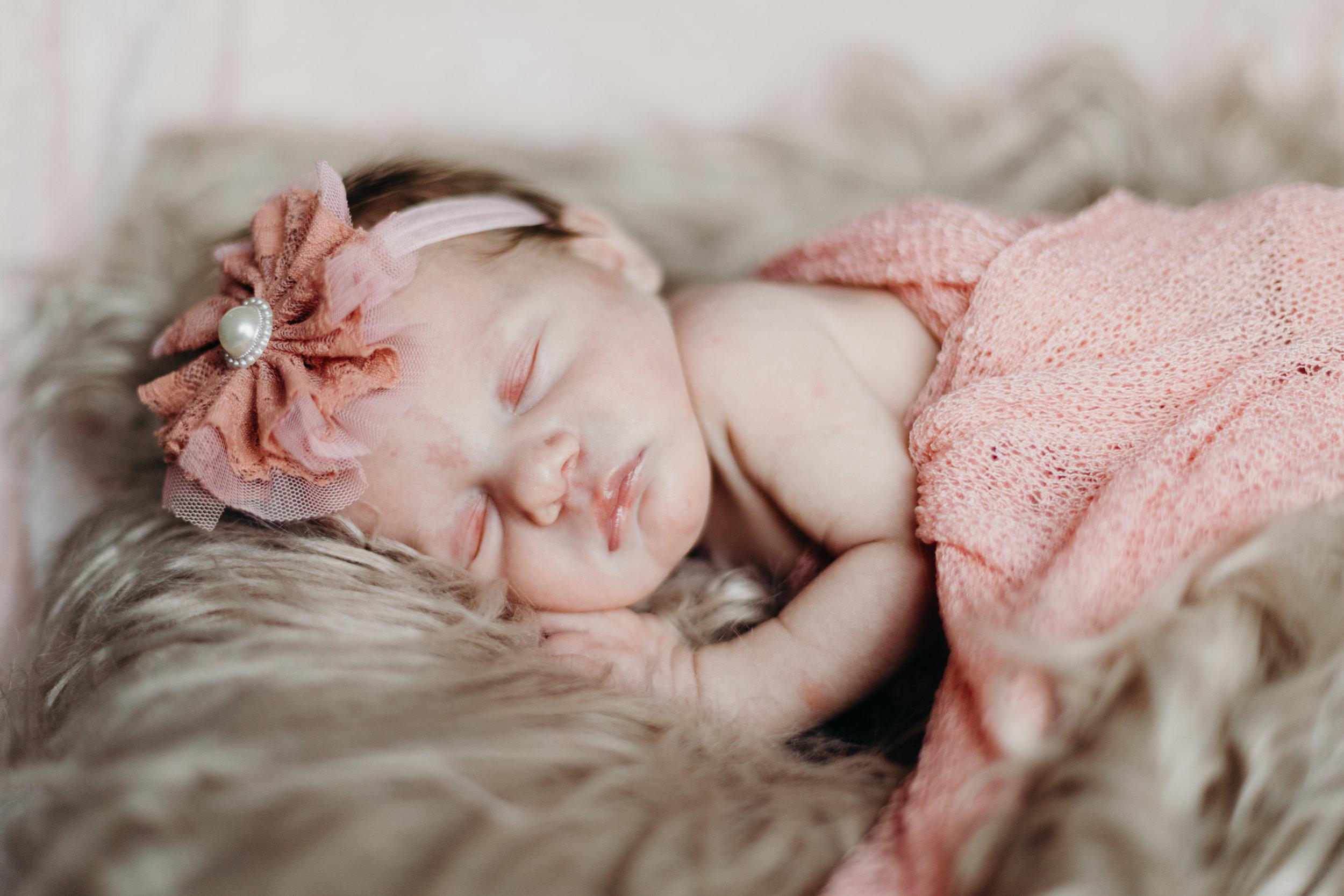 Chicago In Home Newborn Photo by Kerri Carlquist Photography