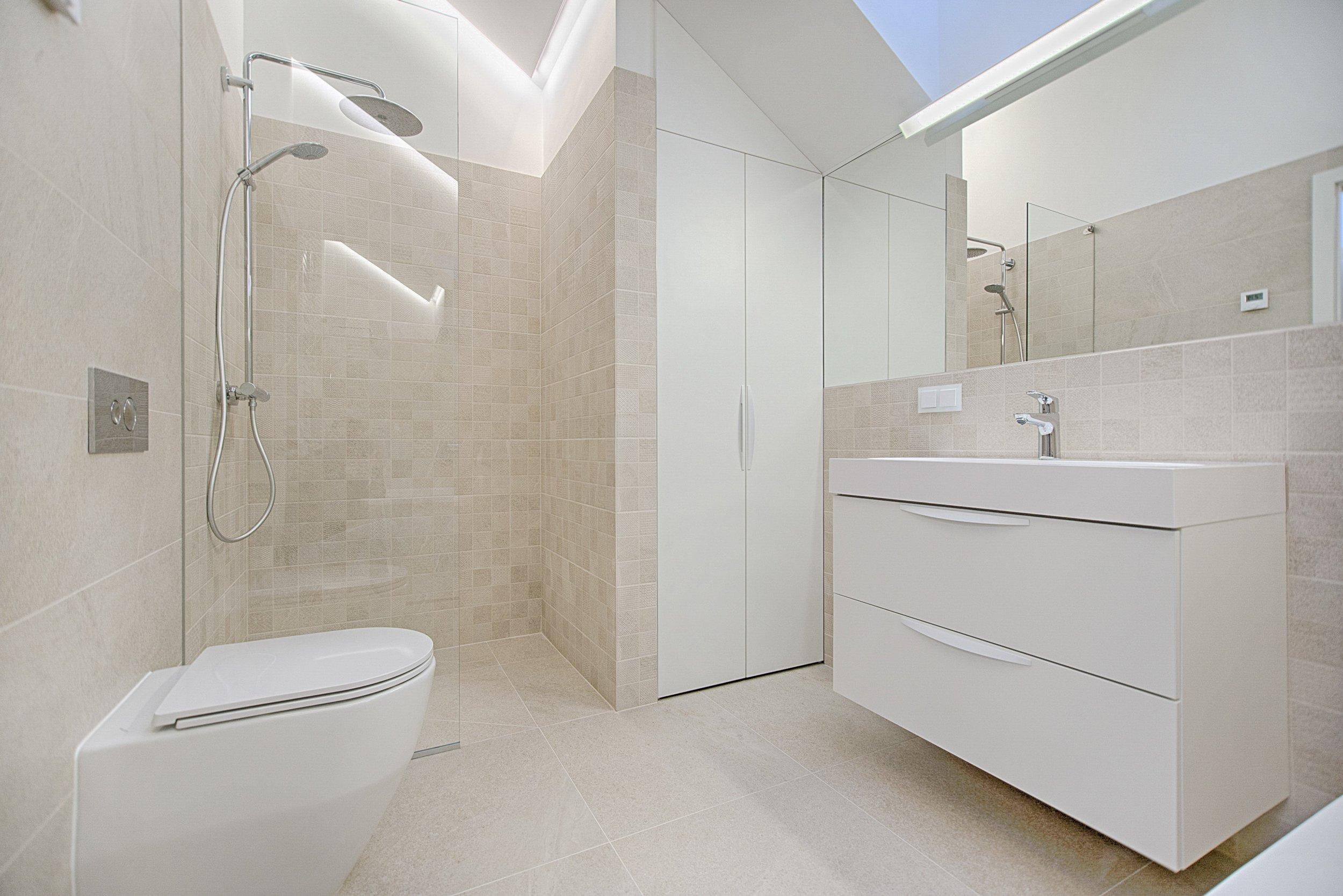bathroom-cabinet-contemporary-1571462.jpg