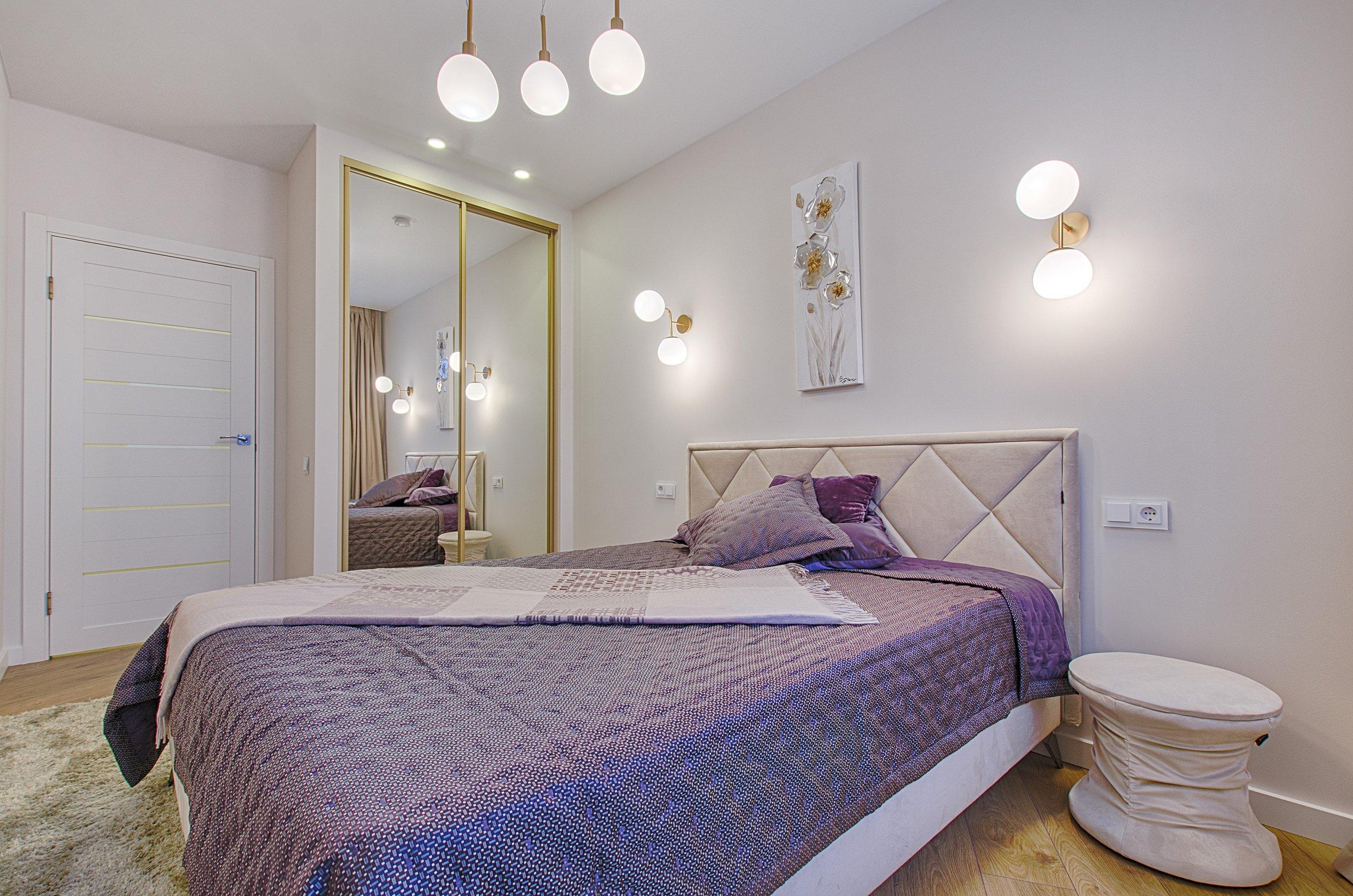 bed-bedroom-blanket-1743231.jpg